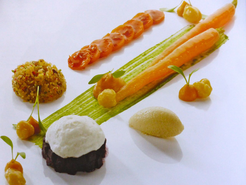 Gegrillte Mini-Aubergine mit Burrata